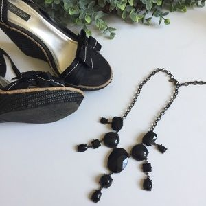 Statement necklace- Large Black Stones Express